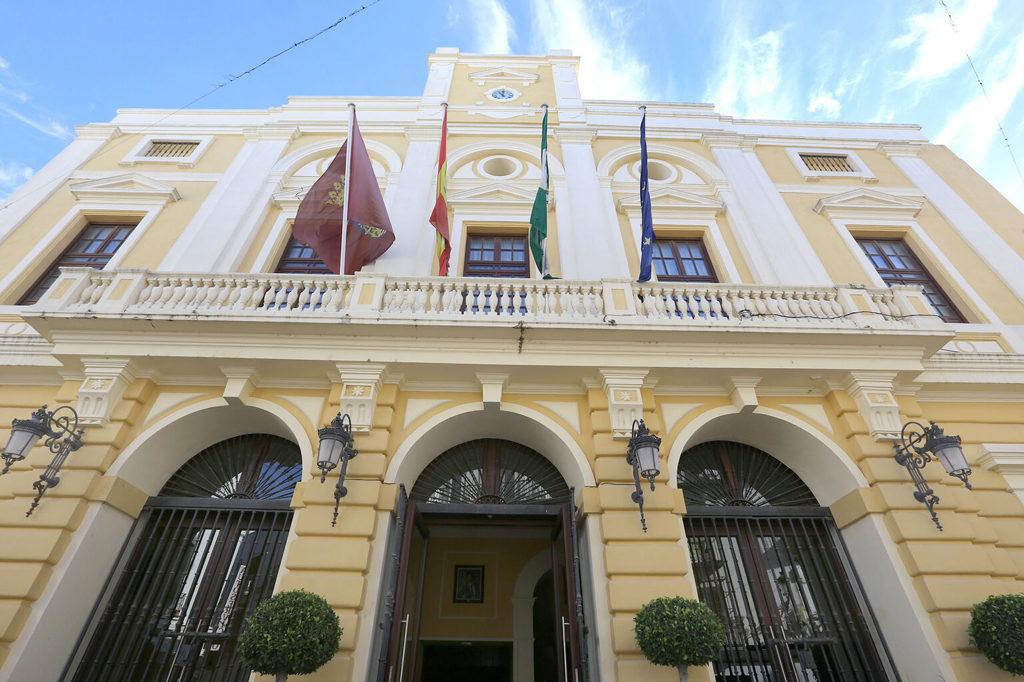 Quince edificios municipales del Ayuntamiento de Chiclana reducirán su gasto gracias a un programa desarrollado por Moneleg