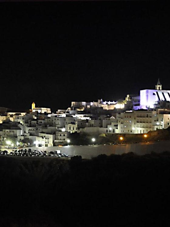 Iluminación ornamental con tecnología LED de edificios monumentales de Vejer de la Frontera - Moneleg